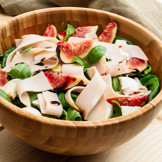 Insalata con rucola, fichi e petto di tacchino Aequilibrium di AIA Food, Agricola Italiana Alimentare